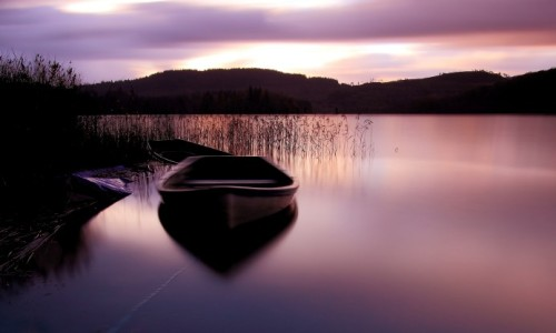 boat_on_lake